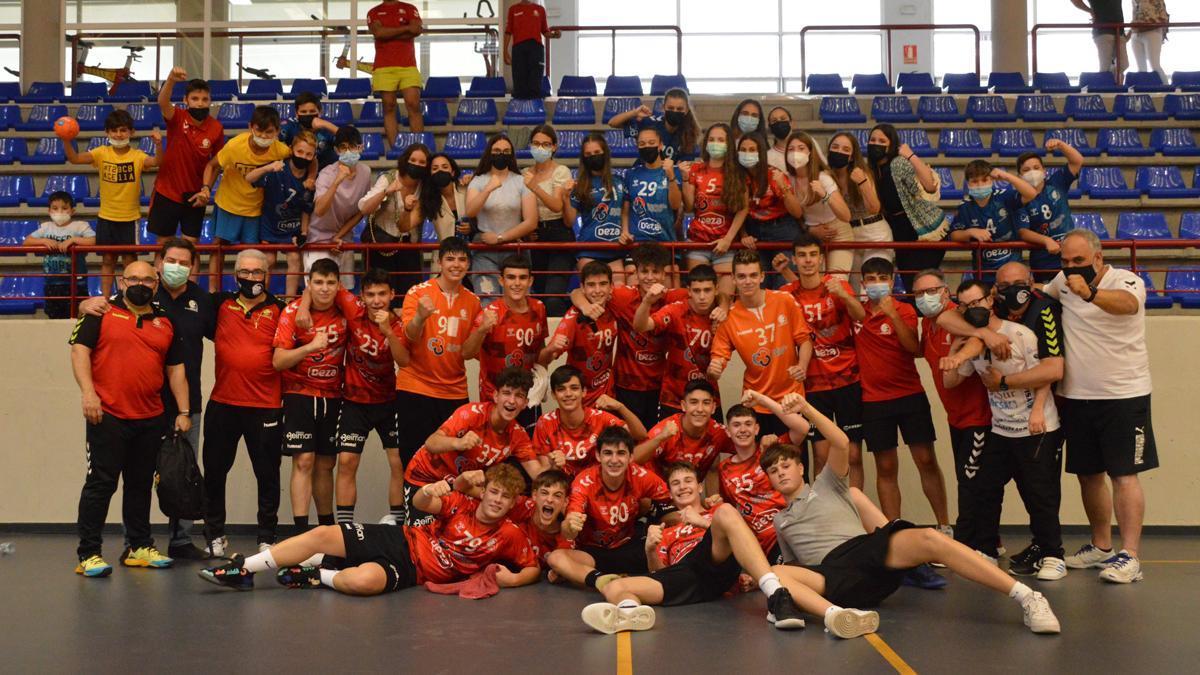 El Cajasur CBM cadete celebra su entrada en el 'Top 8' nacional