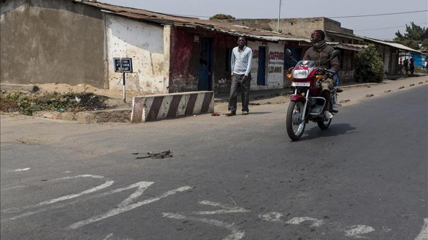 El Ejército se despliega en la capital de Burundi tras un ataque a dos cuarteles militares
