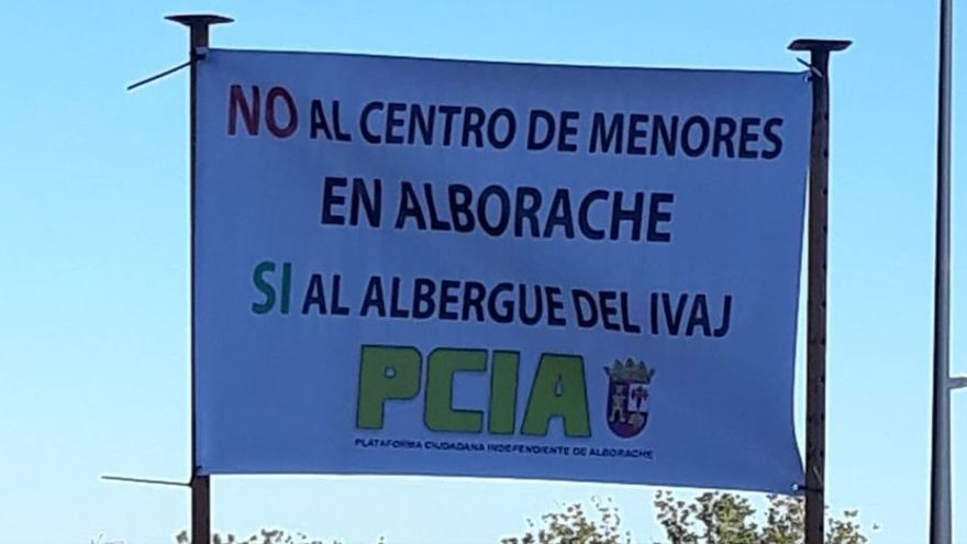 La plataforma PCIA ha organizado protestas de rechazo al centro