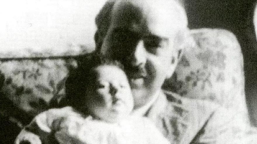 Duperier en Londres con su hija (1942)
