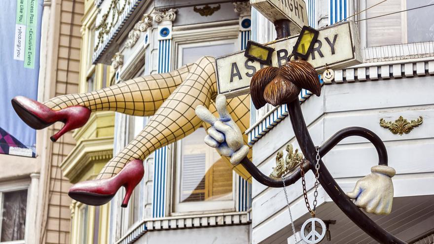 Piernas gigantes en el barrio hippie de San Francisco. Francesco Tortoli