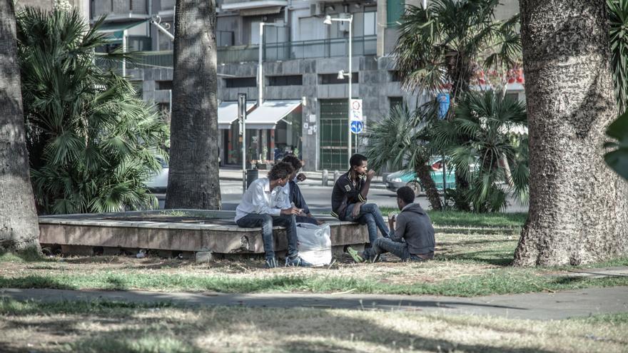 Varios menores eritreos no acompañados malviven en los Estación de Catania a la espera de conseguir dinero para llegar al norte de Europa | FOTO: Pablo Tosco - Oxfam Intermon