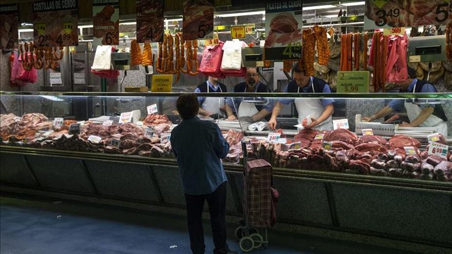 El comercio eleva sus ventas el 4,8 % en octubre y encadena 14 meses al alza