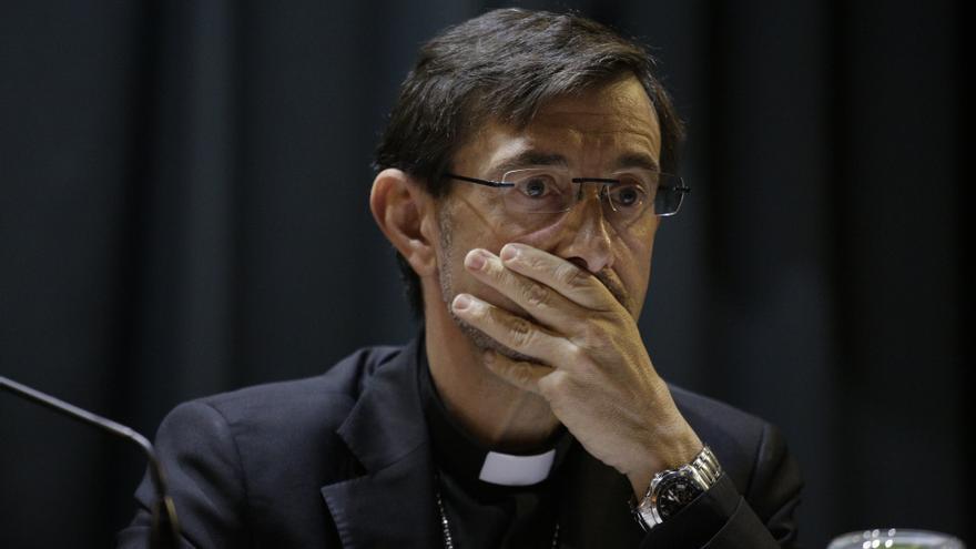 El obispo auxiliar de Madrid, durante el debate