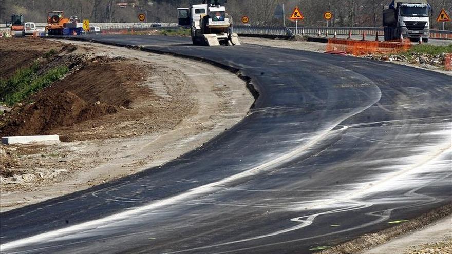 El Ministerio de Fomento licita contratos de carreteras por 153 millones