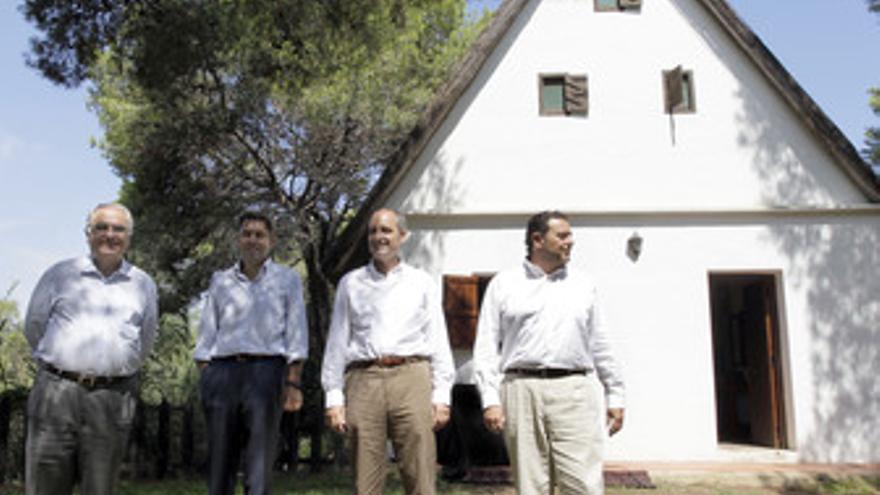 Camps, con los tres vicepresidentes