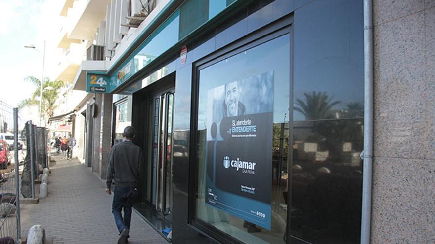 Cajamar oficinas madrid con las mejores colecciones de for Cajamar valencia oficinas
