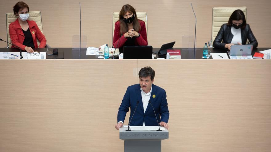 El diputado de ERC Sergi Sabrià en su intervención en la segunda sesión del pleno de investidura de Pere Aragonès (ERC) en el Parlament