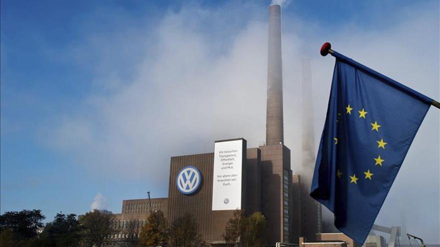 CE rebaja en dos décimas el PIB alemán para 2015 y prevé riesgos por el caso VW