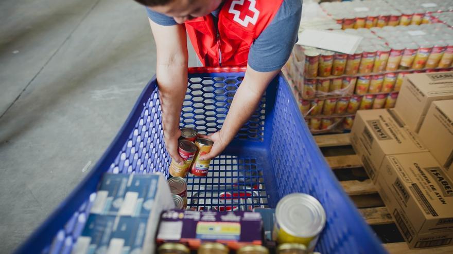Cruz Roja repartirá en las próximas semamas 428.000 kilos de alimentos en Córdoba a unas 17.000 personas