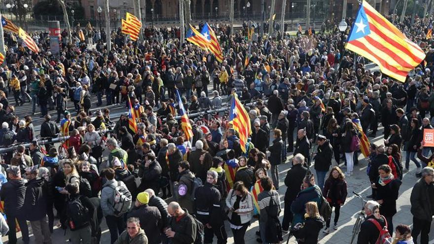 La protesta frente a la Ciutadella por no investir a Puigdemont se saldó con ocho detenidos