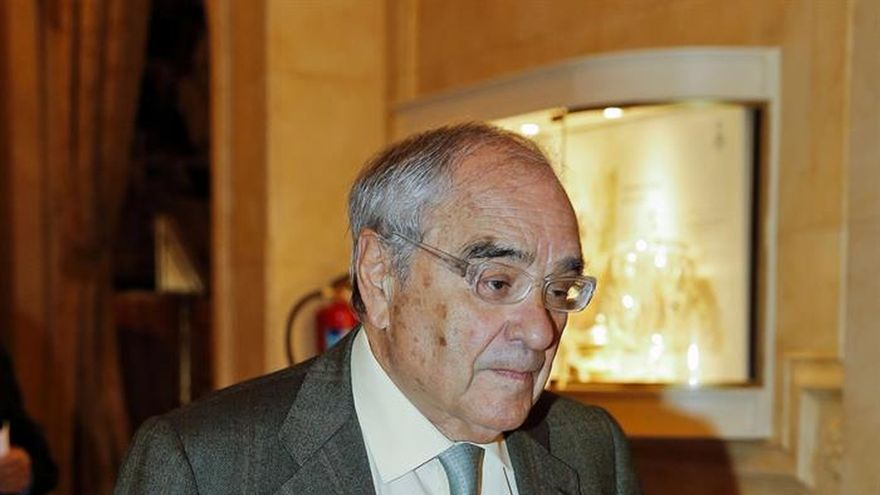 Barcelona revocará la concesión de la Medalla de Oro a Martín Villa