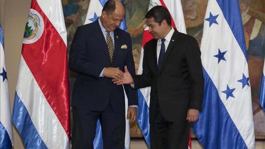 Presidentes centroamericanos sostienen diálogos privados previo a la cumbre del SICA
