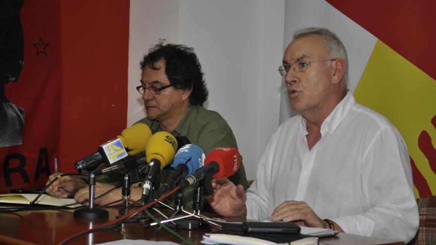 """Cayo Lara critica que Aguirre use """"sus privilegios"""" como expresidenta de Madrid y quiera declarar por escrito"""