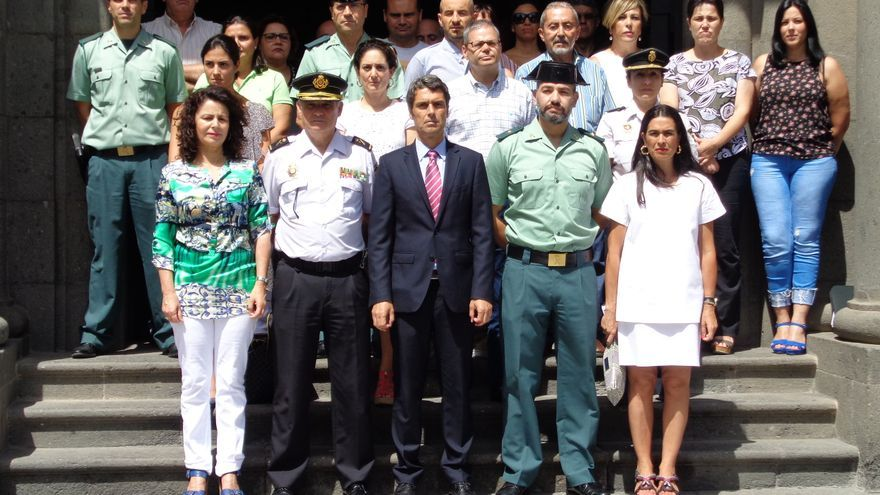 Minuto de silencio en la Delegación del Gobierno en Canarias