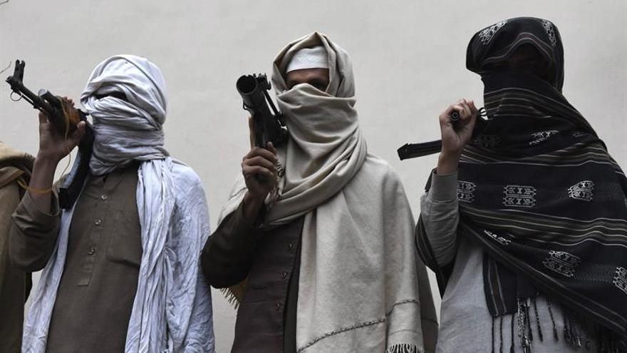 Talibanes disidentes llaman a la elección consensuada de su nuevo líder