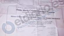 Cifuentes intentó que la misma funcionaria que le cambió las notas recogiese el título del máster en su nombre