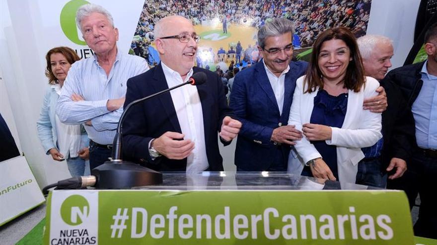 Antonio Morales celebra su victoria en el Cabildo de Gran Canaria