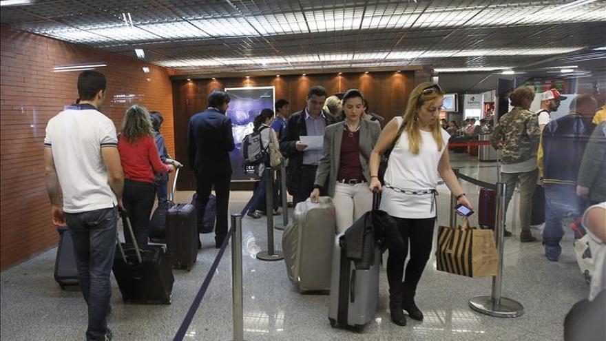 El uso de tren de larga distancia subió un 10,7 por ciento en enero y el avión un 2,8 %