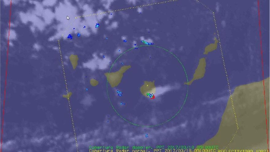 Tormenta formada en el sur de Gran Canaria durante la noche de este viernes 17 de marzo, asociada al paso de un Jet Stream en niveles altos.