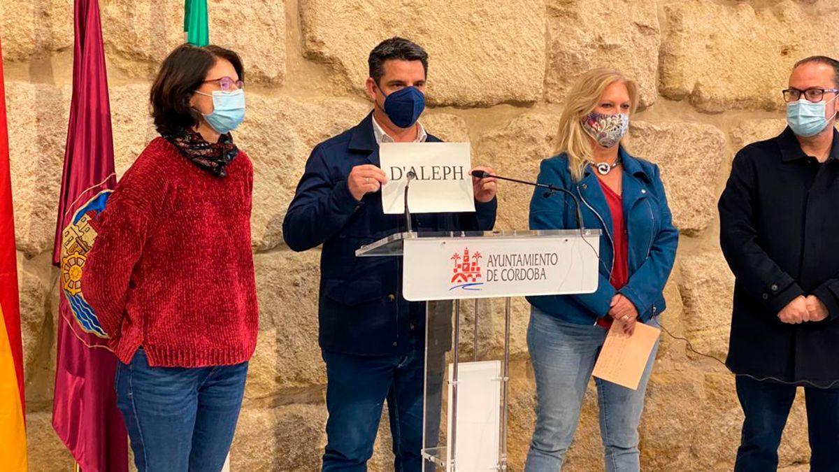 Concejales de IU y Podemos denuncian la contratación de una empresa vinculada a Arrimadas.