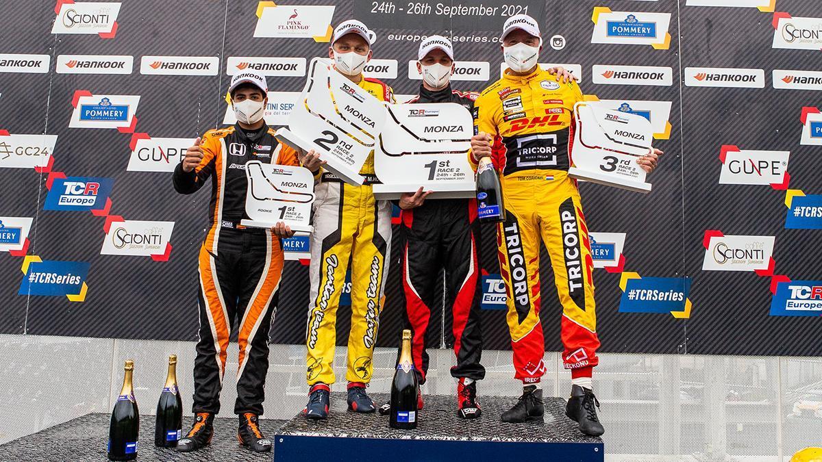 El cordobés Isidro Callejas, campeón rookie del TCR Europe 2021.