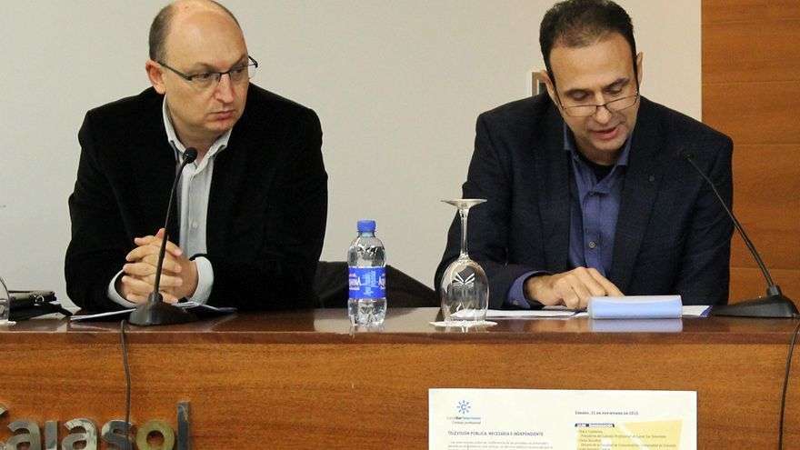 El exdirector de los Servicios Informativos de TVE, Fran Llorente, junto al presidente del Consejo de Redacción de RTVE, Alejandro Caballero.
