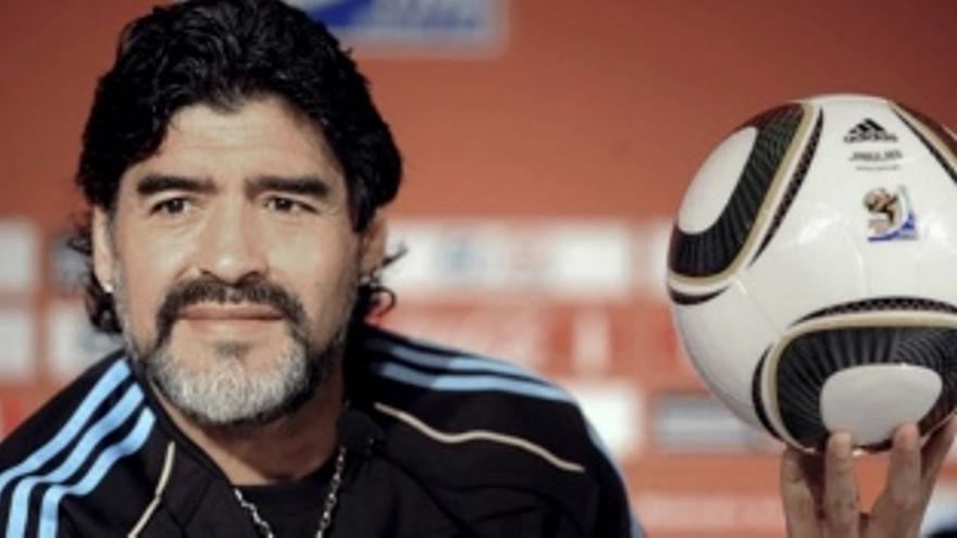 Confirman que se usó una firma falsa de Maradona para pedir su historia clínica