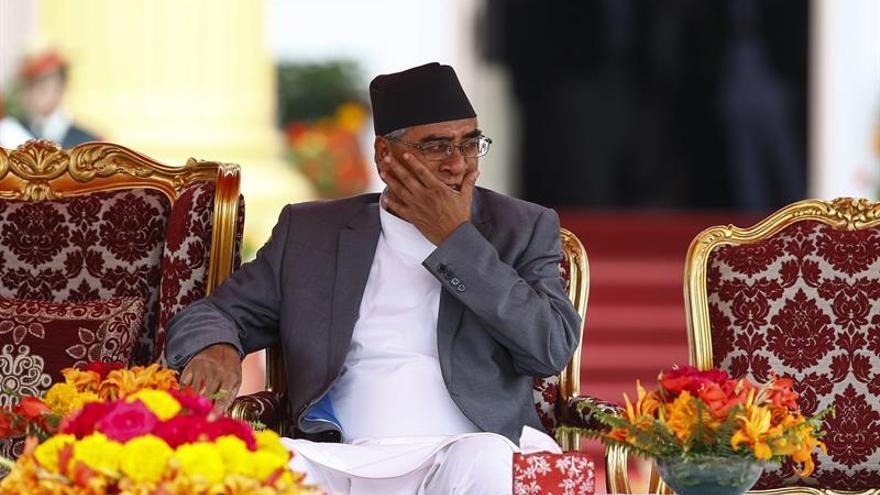 Deuba juró como nuevo primer ministro de Nepal