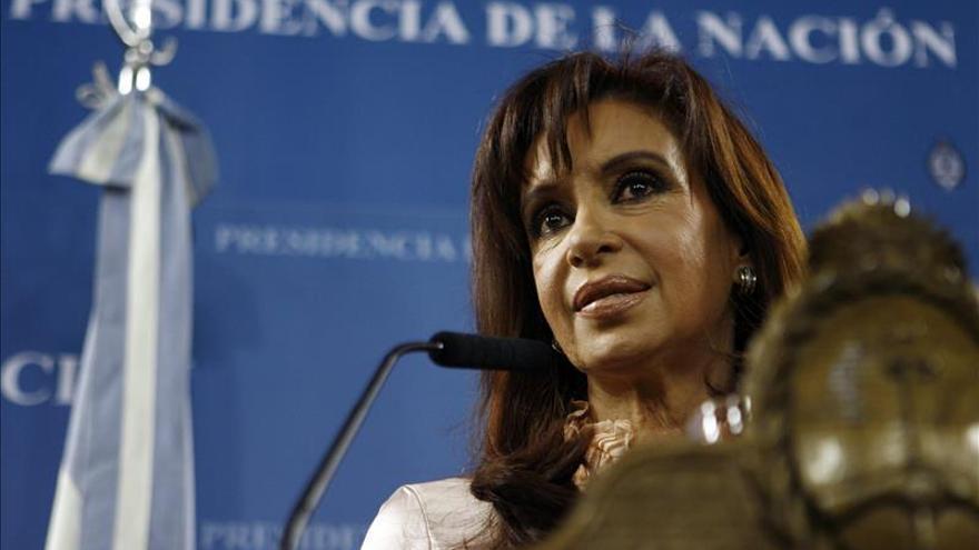 Fernández inaugura obras en el norte de Argentina a dos semanas de elecciones
