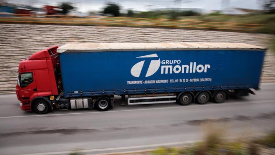 La CE indica que pueden cruzar fronteras tranportistas, temporeros o técnicos