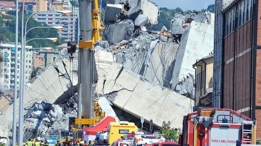 Sigue la búsqueda de posibles desaparecidos entre los escombros del puente de Génova