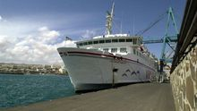 Fotografía del ferry accidentado, el Volcán de Tamasite.
