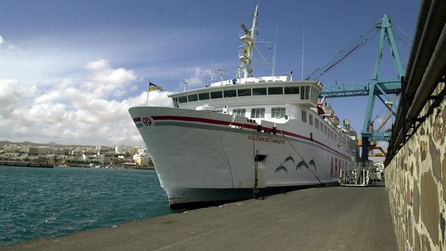 Diez pasajeros del ferry que chocó en Las Palmas necesitaron asistencia médica