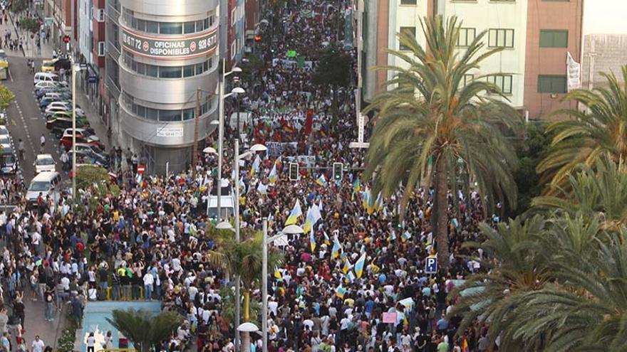 Manifestación contra las prospecciones petrolíferas en Las Palmas de Gran Canaria. (Brissón Reyes).