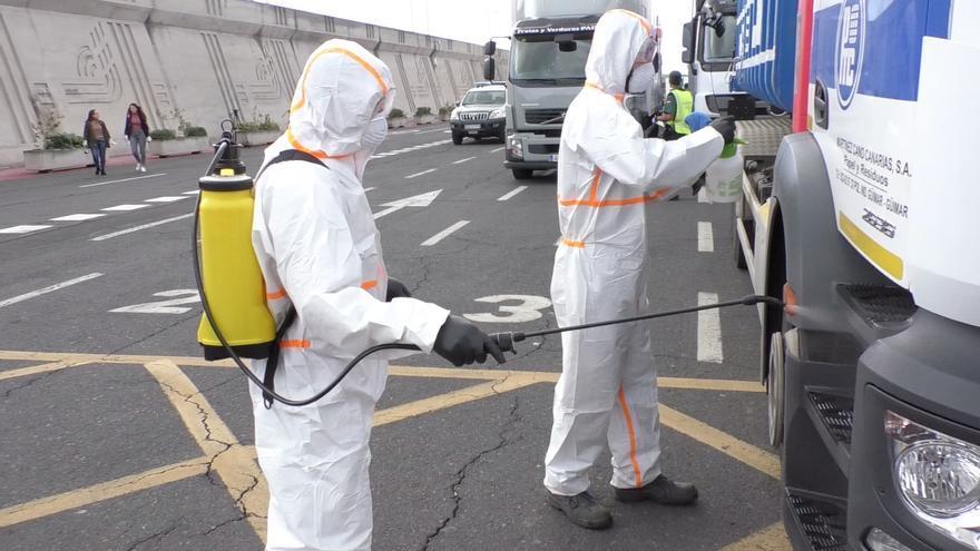 Equipo de desinfección de vehículos instalado en el puerto de San Sebastián de La Gomera