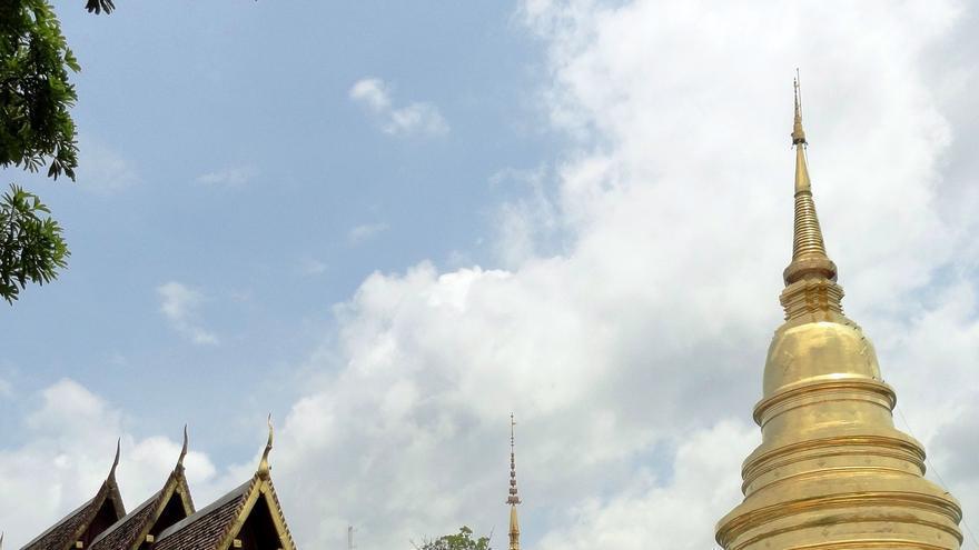 Estupas doradas en la ciudad vieja. Una de las estampas de Chiang Mai. Fabio Achilli