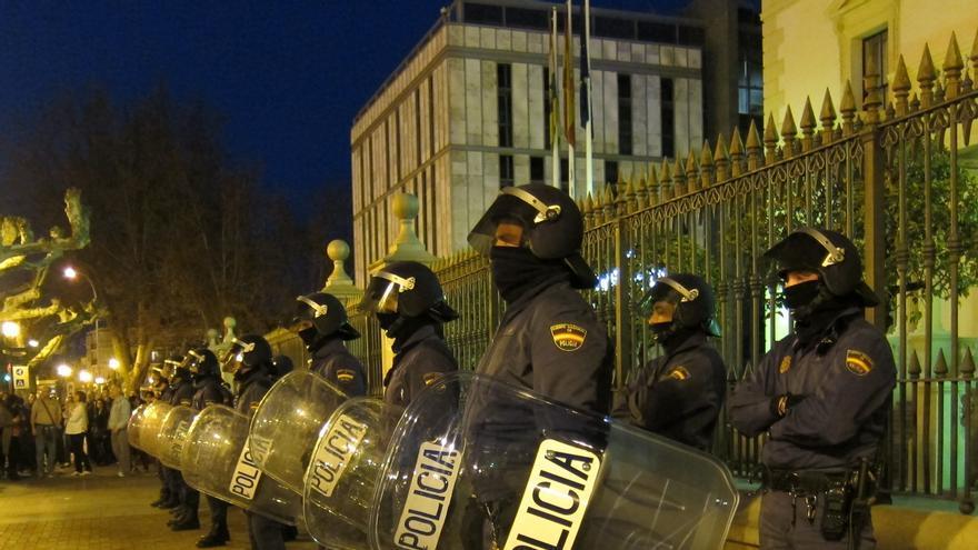 Los policías también anuncian concentraciones contra el Gobierno y arremeten contra la clase política