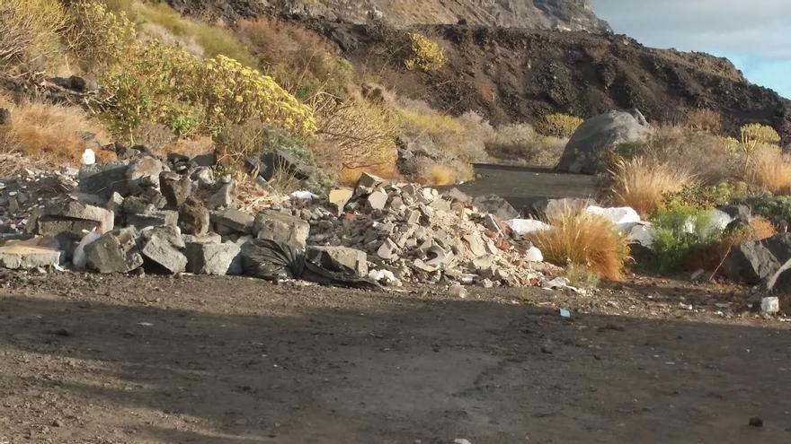 En la imagen, una escombrera, según NC, situada en en el Paisaje Natural Protegido de El Remo. Foto: Nueva Canarias.