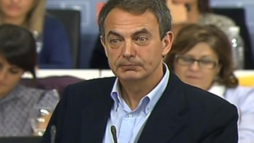 """Zapatero presenta sus cambios para dar """"impulso"""""""