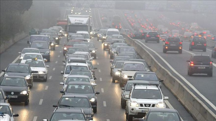 Las carreteras madrileñas registran 42 accidentes en tres horas por la lluvia