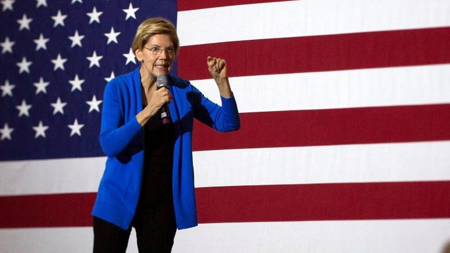 En la imagen, la senadora Elizabeth Warren