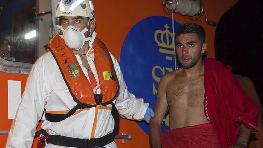 Guardia Civil intercepta patera con 17 magrebíes cerca de la costa granadina