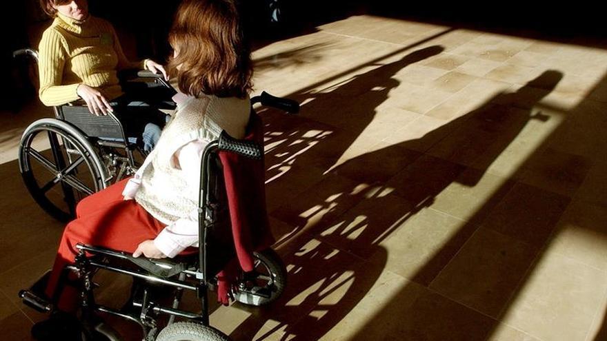 CAF y la ONCE impulsarán oportunidad de empleo para personas con discapacidad