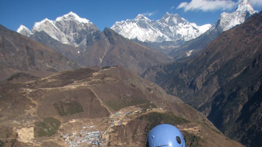 En 2008, el escalador ciego alcancó la cima helada de Losar, un monte nepalí