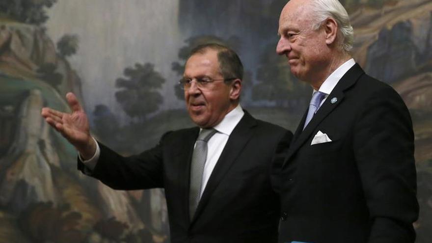 Lavrov: en unas horas podría anunciarse el cese de hostilidades en Alepo (Siria)
