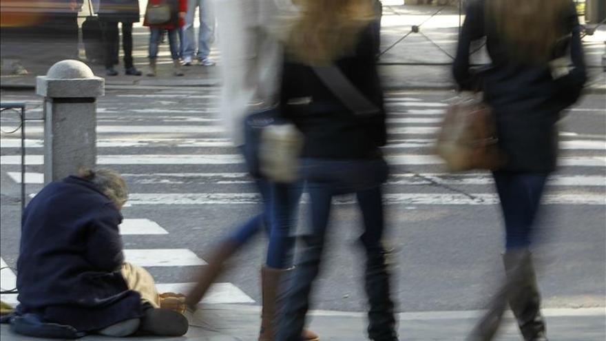 Casi 123 millones de europeos están bajo riesgo de pobreza, según Eurostat