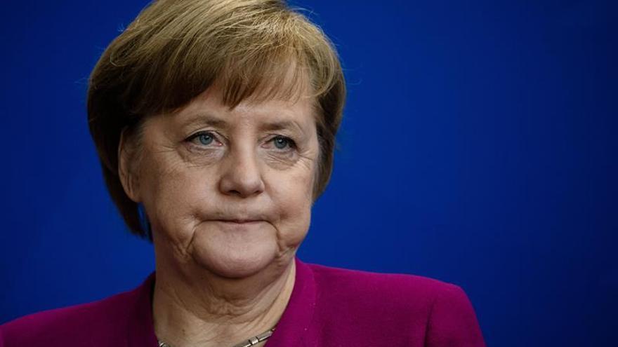 """La CE """"da la bienvenida"""" a las propuestas de Merkel para reformar la eurozona"""