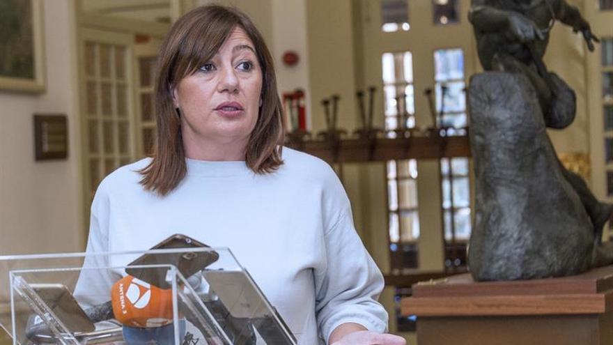 """Armengol pide """"celeridad"""" a Podemos para resolver su crisis en Baleares"""