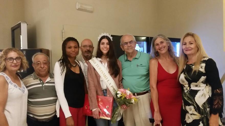 Acto de recibimiento a Miss La Palma en Tenerife.